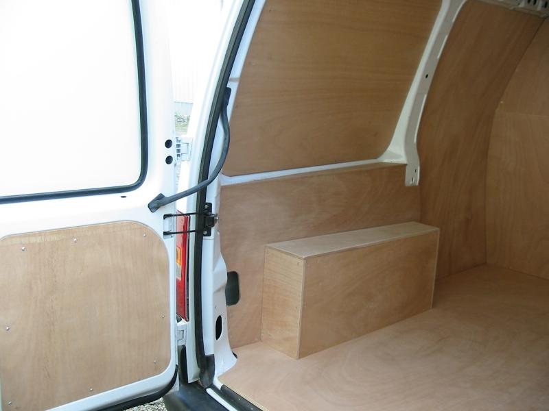 Am nagement de v hicule utilitaire for Amenagement interieur de vehicule utilitaire